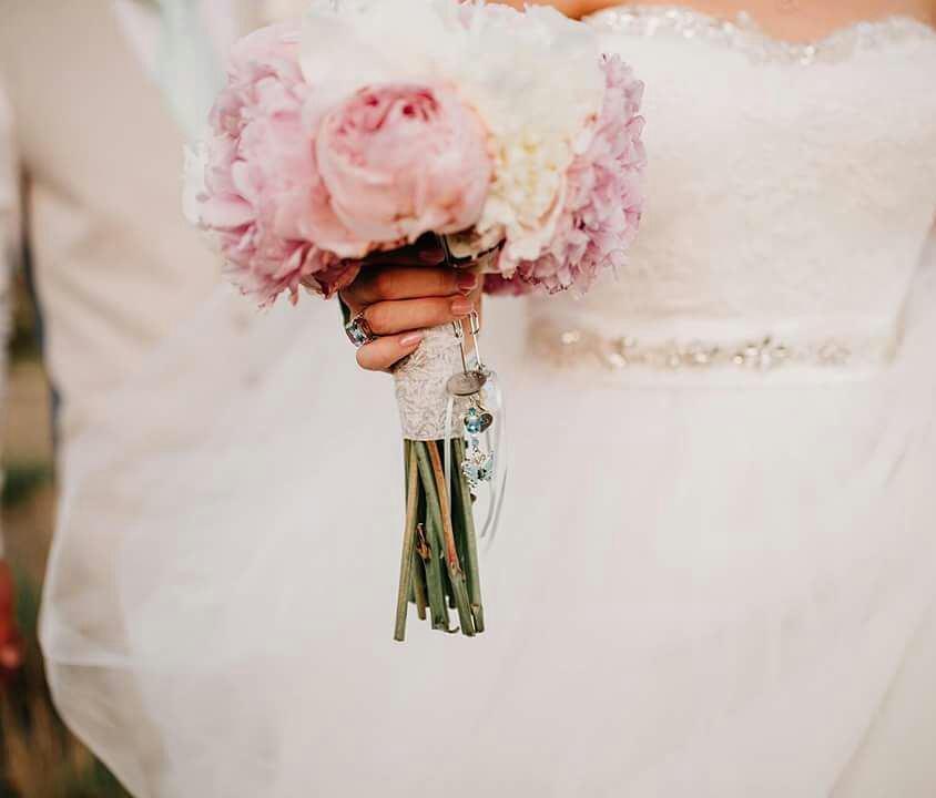 Ramo de peonias blancas y rosas de Rachel